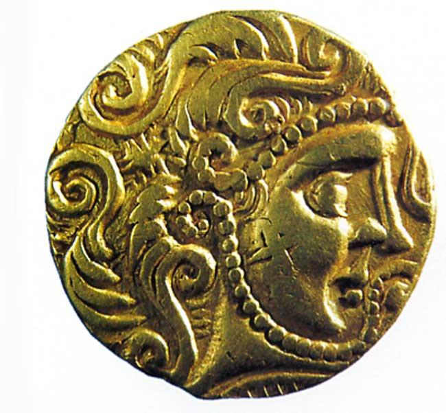 Avers d'une pièce de monnaie en or des Parisii (IIe siècle avant notre ère). Musée de Brno, Tchécoslovaquie. By Pragus