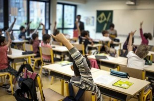 Comment-evaluer-les-eleves-Benoit-Hamon-lance-un-debat-qui-passionne_article_popin