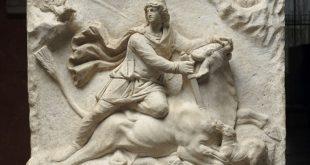 Relief-mithriaque-pile-3eme-siecle-ap-JC-Louvre