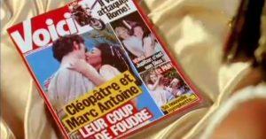 (2008) Voici : ménage à trois pour César, Cléopâtre et Marc Antoine