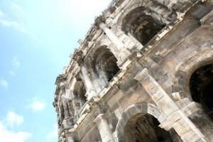 Les arènes de Nîmes interdites aux personnes seules
