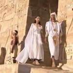 Akhénaton et Néfertiti #2