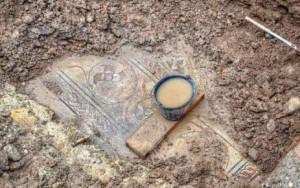 Lyon : des mosaïques gallo-romaines découvertes sur le chantier du métro