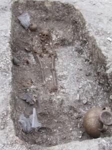 Sept sépultures gallo-romaines découvertes sur le chantier de l'Arc de Dierrey