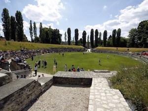 Hebdo.ch / Le plus vieil amphithéâtre romain de Suisse est à vendre