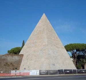 A Rome, réouverture de la Pyramide de Cestius après restauration