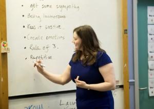 A Glasgow, des étudiants vont apprendre le latin à des écoliers pour les aider à renfoncer leurs connaissances de la langue