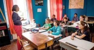 """Belgique : Bienvenue à l'école où """"bonjour"""" se dit """"ave"""