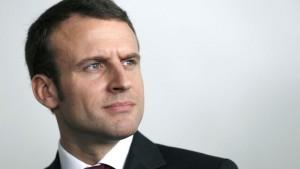 Le Figaro / Un sénateur UMP félicite Macron pour sa maîtrise du latin