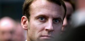 Challenges / Quand Emmanuel Macron cogne à son tour (en latin) sur Arnaud Montebourg