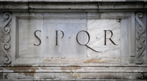 Politico / En Italie, Vivarium Novum cartonne...