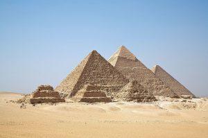Sciences & Avenir / Les restes d'une petite pyramide de 3700 ans découverts en Egypte