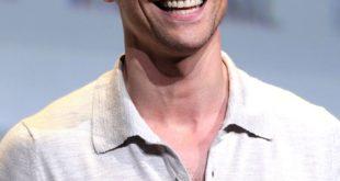 Tom Hiddleston vous conseille d'étudier les langues anciennes !