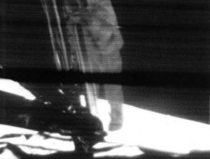 Une femme sur la Lune en 2024 : après Apollo, la Nasa baptise son programme Artemis