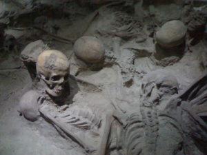 le Figaro / Happée par la nuée ardente dans sa fuite, une victime du Vésuve retrouvée sur la plage d'Herculanum